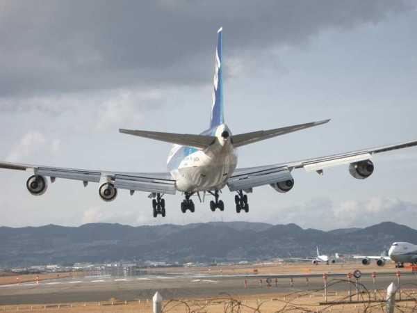 Le compagnie aeree dell'UE si impegnano a rimborsare tempestivamente i voli cancellati