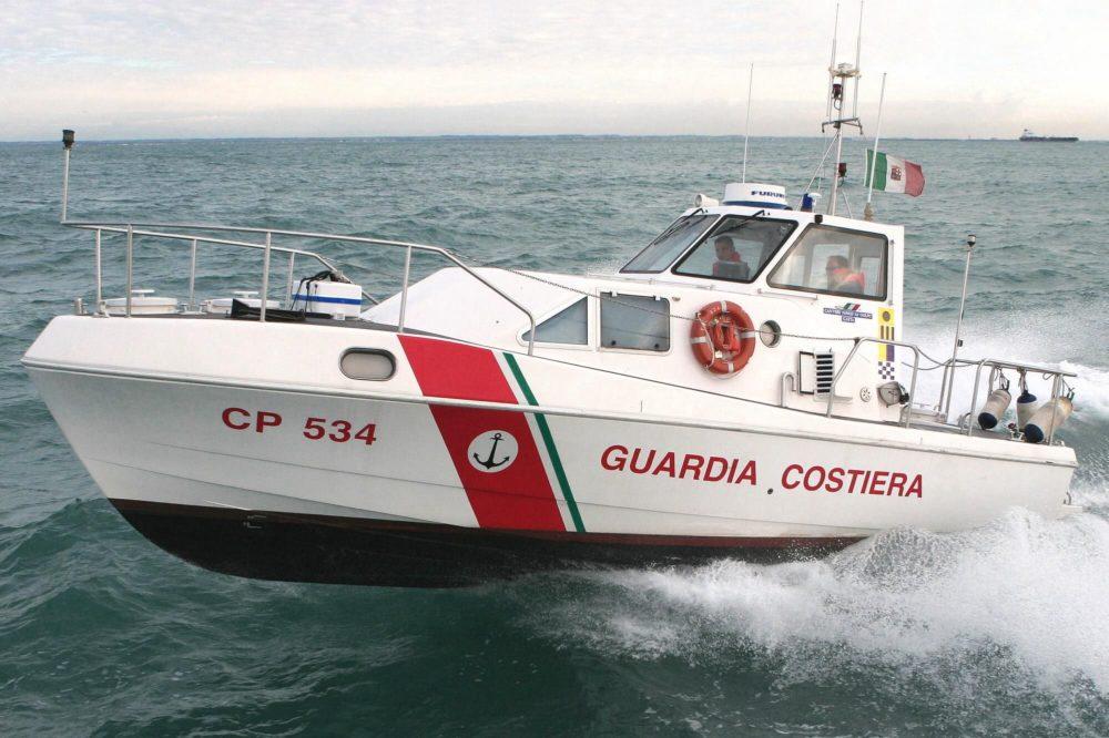 Donna colpita da ictus su nave da crociera soccorsa dalla Guardia Costiera di Napoli