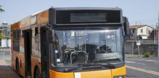Con le doglie sul bus Anm senza biglietto: il controllore la fa scendere