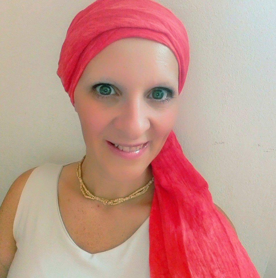 #Sfidaaccettata, Deborah, malata di cancro, commenta la nuova sfida virale su Facebook