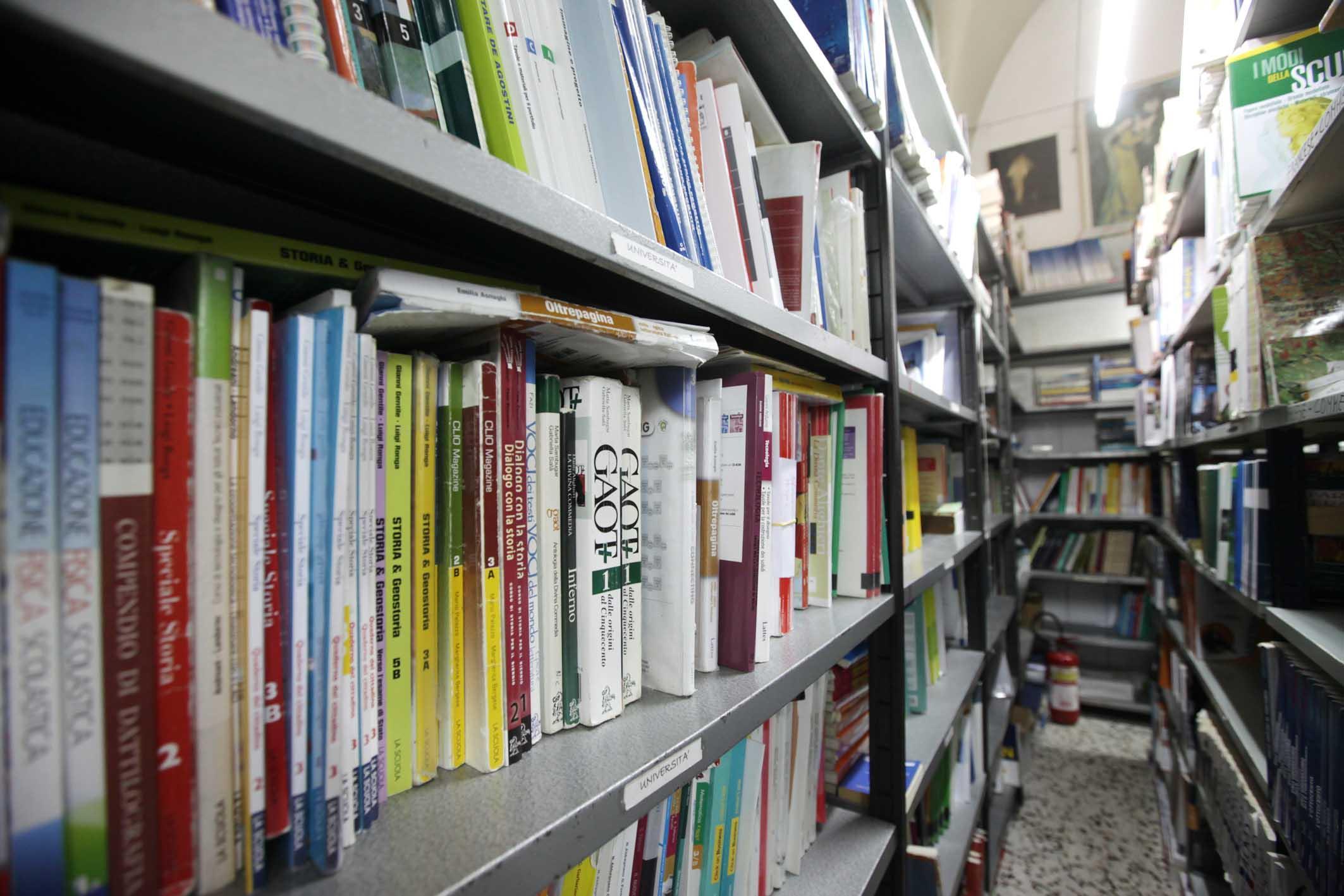 Pubblicato l 39 elenco delle librerie per i libri gratis for Libri scuola