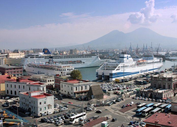 Rimossi e fatti brillare ordigni bellici ritrovati nel Porto di Napoli