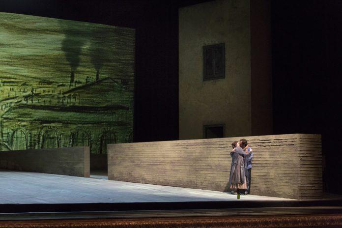 In scena al Teatro San Carlo la Boheme di Puccini