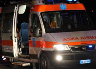 Napoli, operai caduti in un pozzo salvati dai Vigili del Fuoco