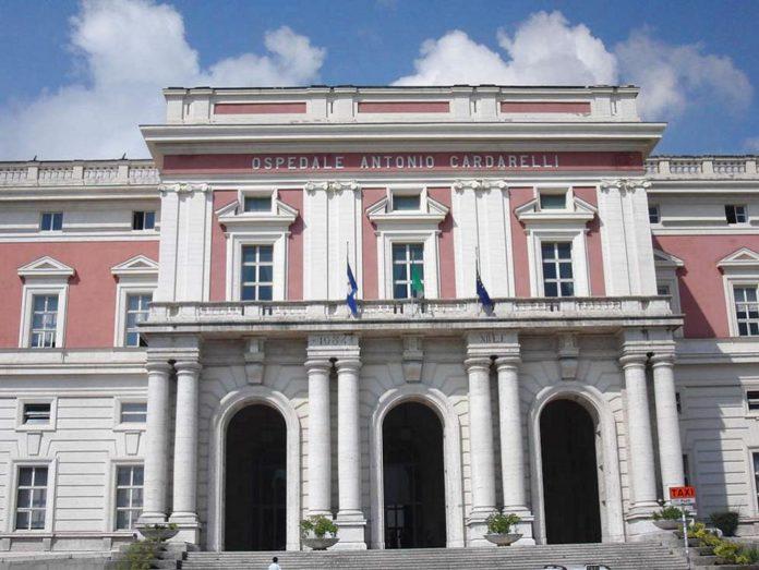 Ospedale Cardarelli, marcatempo controlleranno le presenze in corsia