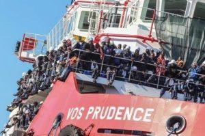 aiuto profughi a napoli
