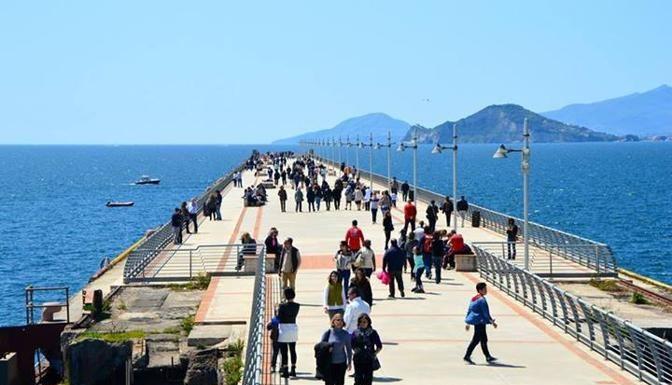 Da domenica 24 maggio riapre il pontile di Bagnoli: gli orari