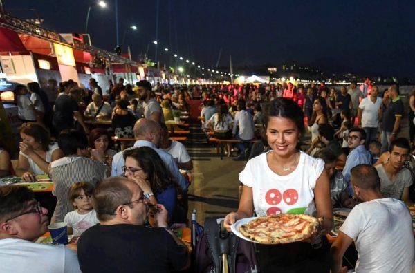 Napoli Pizza Village: Assegnate le postazioni delle pizzerie sul Lungomare Caracciolo