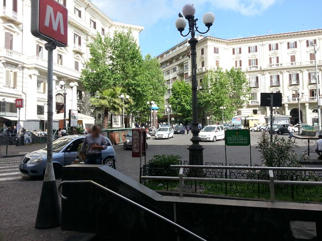 Napoli, allarme bomba stazione metro a piazza Vanvitelli
