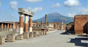 Napoli, Ponte del Primo Maggio da sold out: boom di turisti