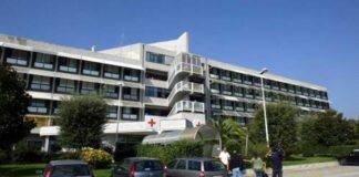 Coronavirus, bandiera gialla sull'ospedale di Pozzuoli