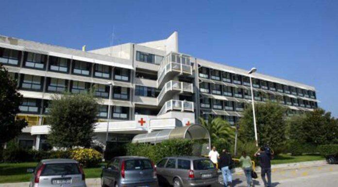 Pozzuoli, aggredisce medico e guardia giurata in ospedale
