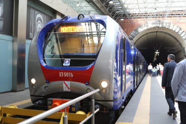 Eav, caos nuovi orari Circum e Cumana: stop treni dalle 20 di sera
