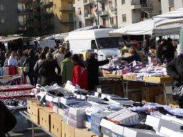 Mercato etnico, accordo con il Comune. Le proteste dei cittadini