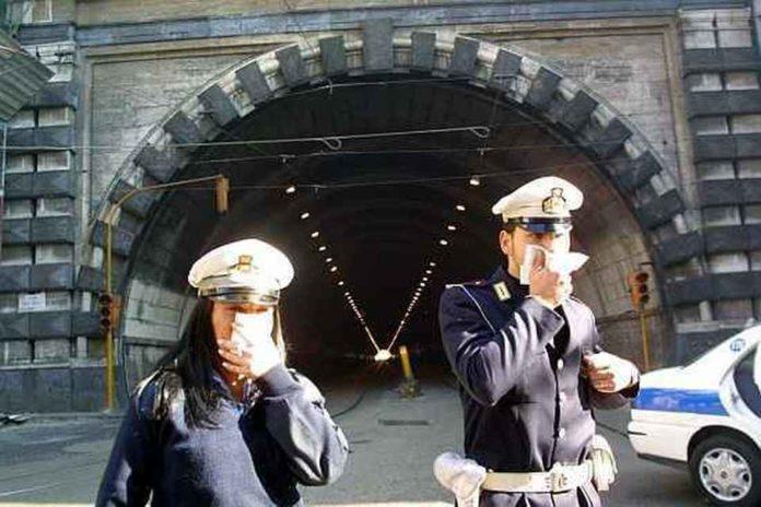 Napoli, stop alle auto dal 1 ottobre per combattere lo smog