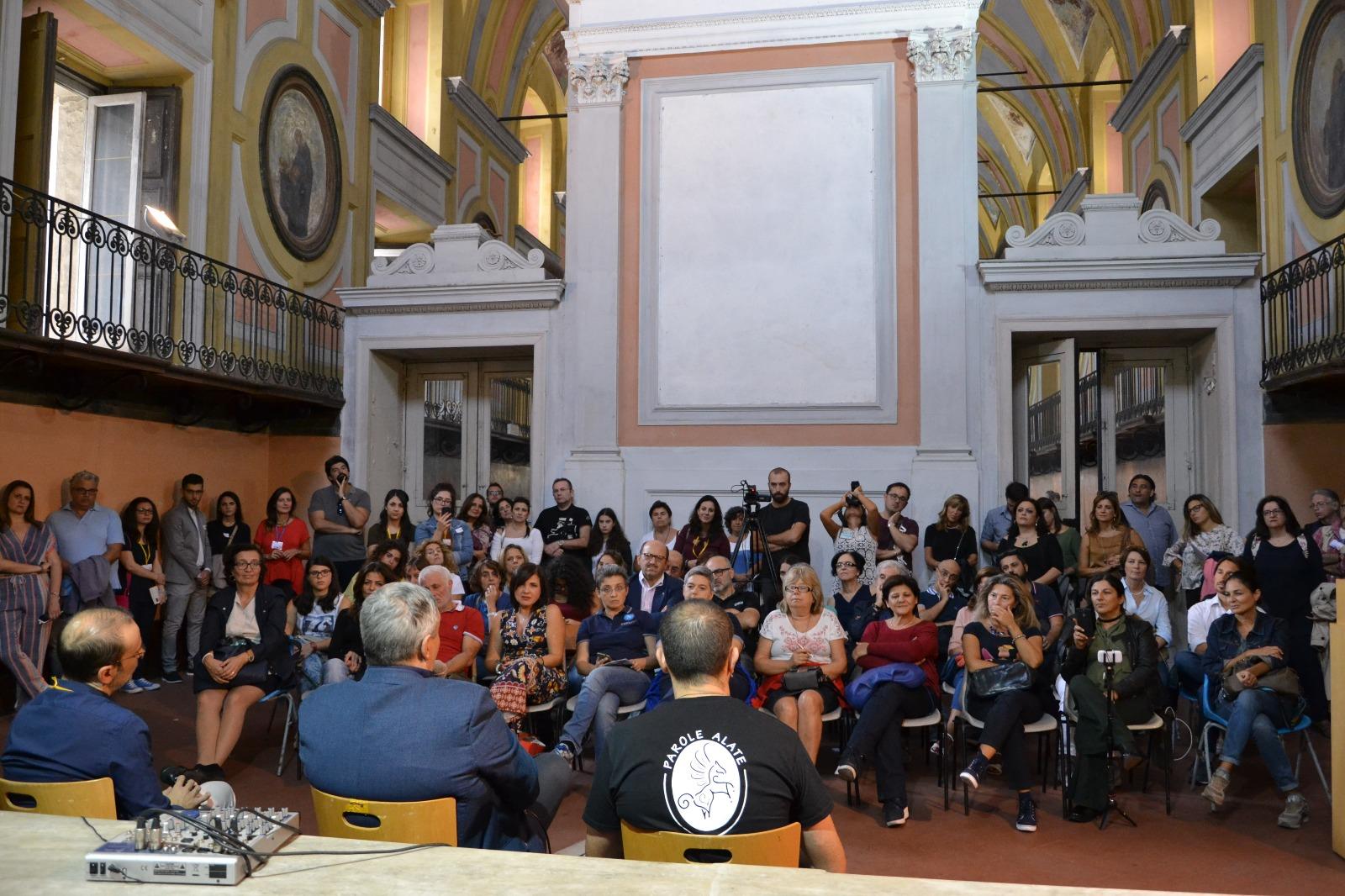 Fiera del libro a Napoli, un successo con 10000 visitatori