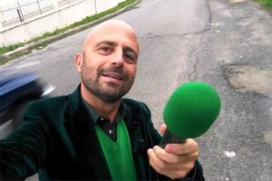 Luca Abete aggredito a Secondigliano. Stasera in onda su Striscia la Notizia