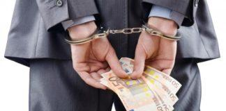 Castel Volturno, mazzette in cambio di licenze edilizie: 6 arrestati