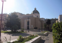 Napoli, Fuorigrotta: ragazzine minacciate da baby bulli.
