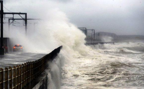 Meteo, sta per arrivare nel Mediterraneo l'uragano Medicane