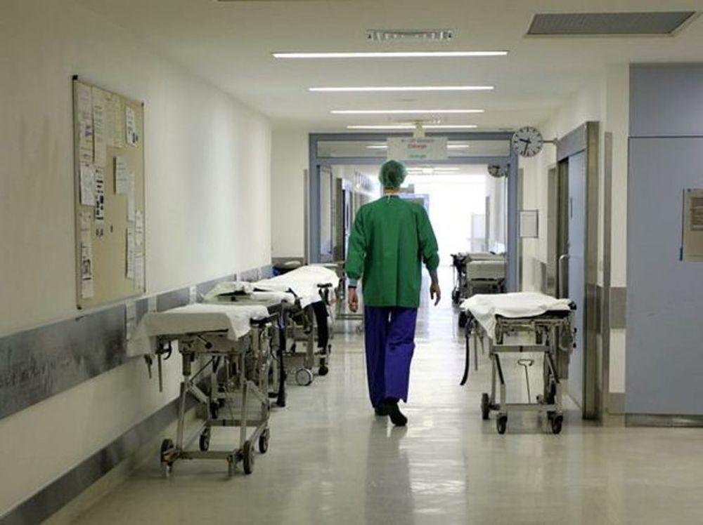 Terrore ad Eboli, rapinano pizzeria poi scappano: causano incidente