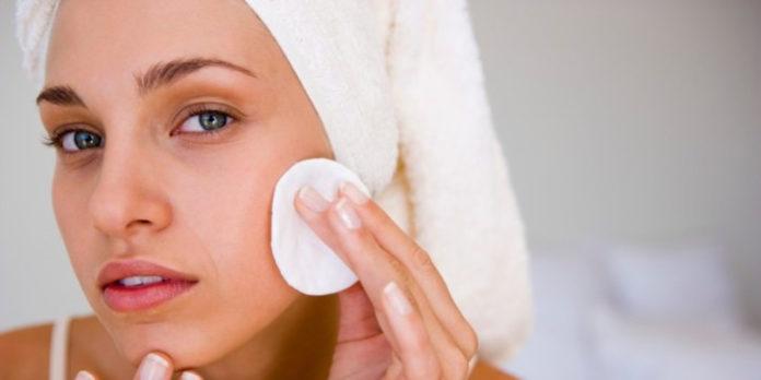 pulizia del viso e della pelle