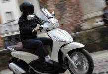 Napoli: Inseguito si schianta contro un cassonetto. Arrestato 23enne di Ponticelli