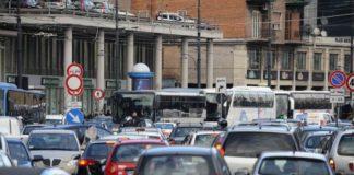 Blocco dei veicoli a Napoli nel week-end. Ecco le deroghe