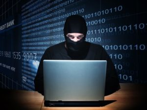 """Gli """"scammer"""", i criminali che truffano le donne online"""