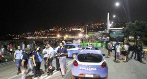 Napoli, tifosi inglesi aggrediti sul lungomare, quattro feriti