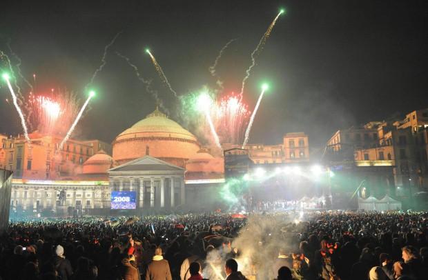Napoli: Dispositivo traffico per notte Capodanno Piazza Plebiscito e Lungomare