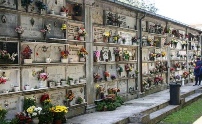 Cronaca di Napoli, compravendita illecita di loculi: 10 condanne