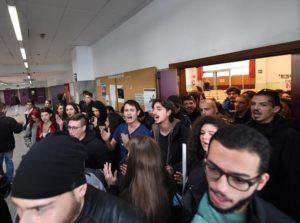 Unina, convegno con Camusso e D'Alema annullato da occupazione studentesca