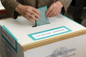Elezioni Sicilia, Musumeci in vantaggio su Cancelleri