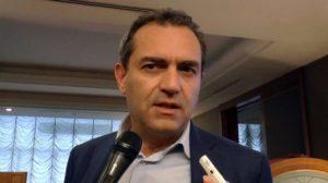 """Luigi de Magistris a convegno """"no vax"""", ordine di medici contrario"""