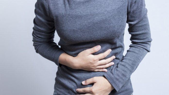 Mal di stomaco: cause, sintomi e rimedi naturali