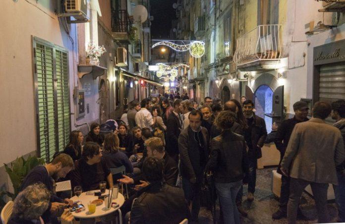 Movida a Napoli, i dettagli dell'assalto alla zona dei baretti