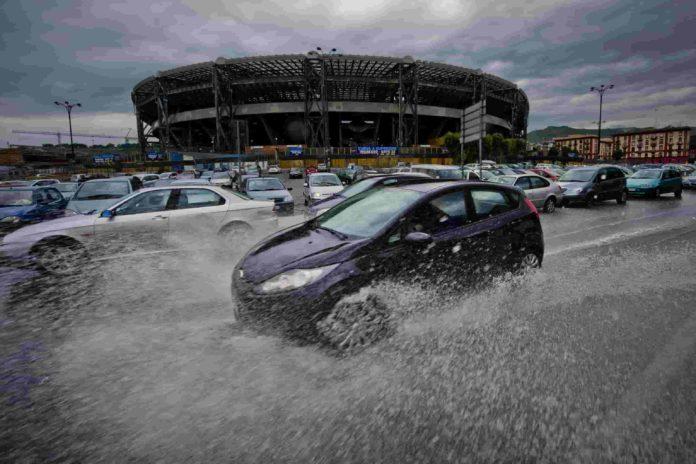 Maltempo in Campania, danni, strade chiuse e disagio trasporti