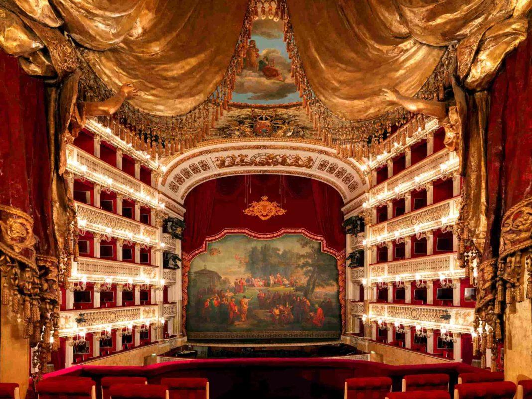Il Teatro San Carlo ricorda, presso il