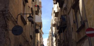 Quartieri Spagnoli a Napoli, mamme denunciano scarsa igiene di una scuola