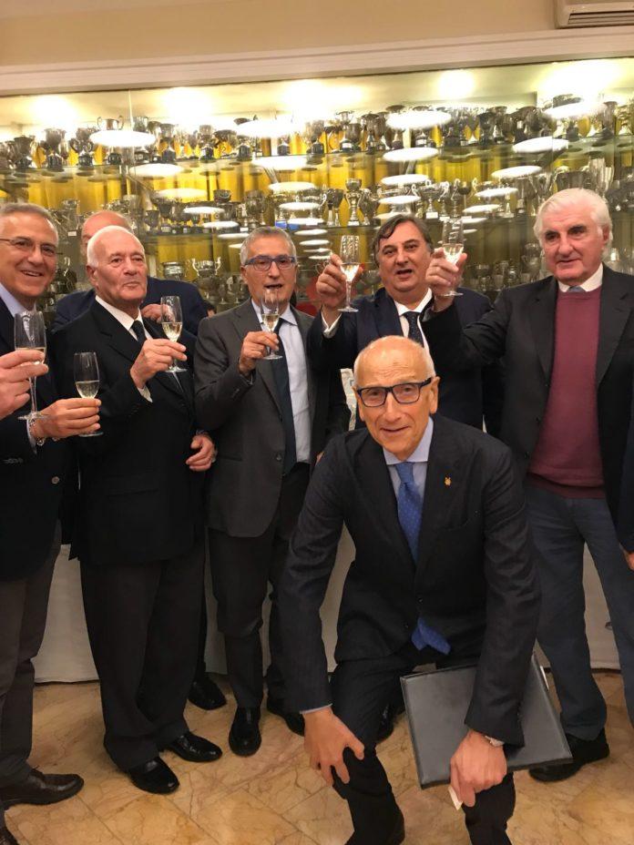 Il canottiere Franco Roberti festeggiato dal Circolo Canottieri Napoli