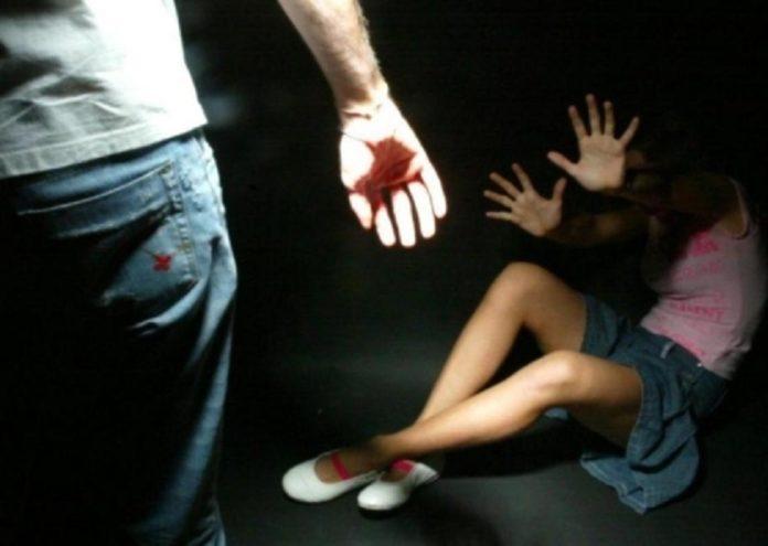Choc a San Giorgio a Cremano: violentata da tre uomini nell'ascensore della Circumvesuviana