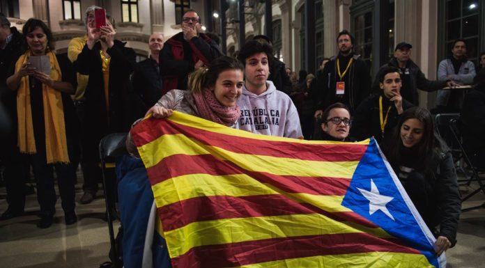 Elezioni Catalogna, vincono gli indipendentisti