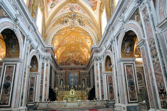 Loro di Napoli, evento a sostegno dell'Opera di Carità