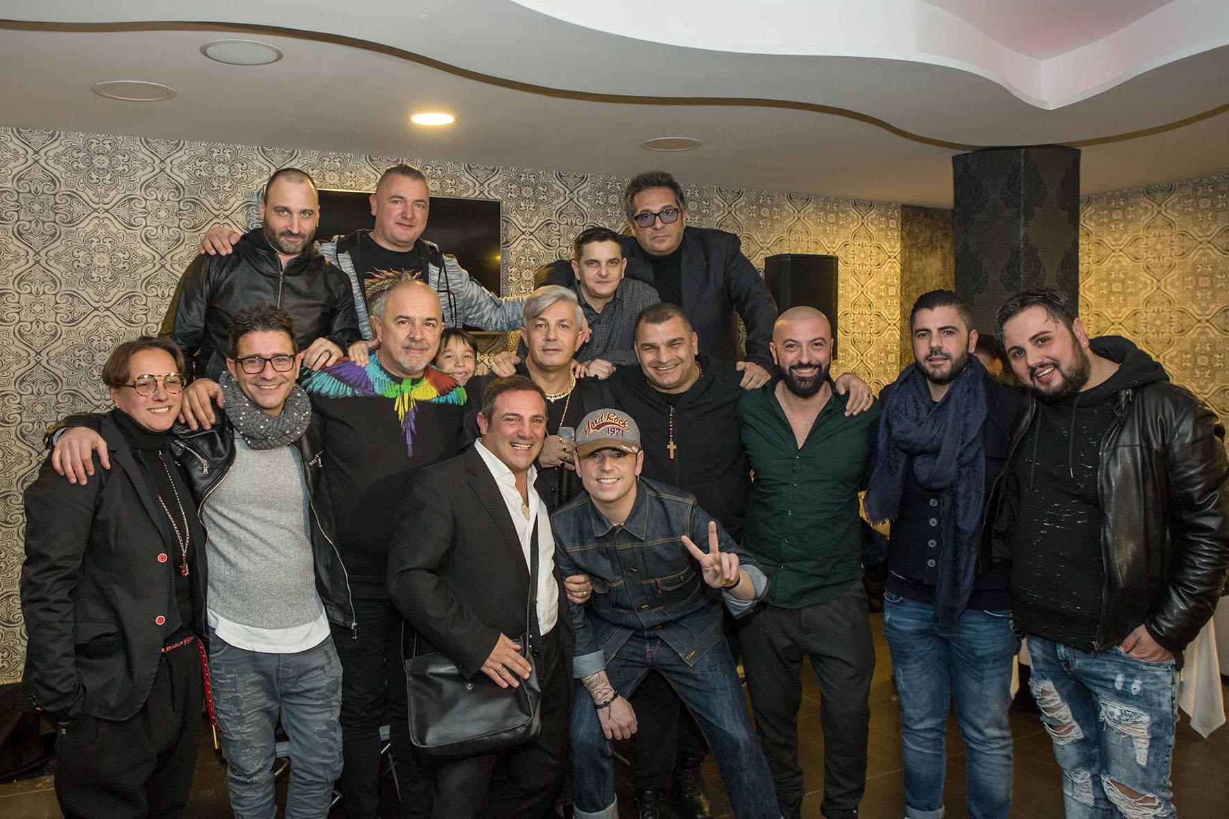 Il cantante Ciro Rigione festeggia i primi 30 anni di carriera