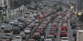Comune di Napoli, traffico in tilt per le festività natalizie