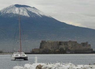 Meteo Campania. Brusco calo termico. Torna la neve sul Vesuvio