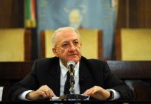 """De Luca querela Di Maio: """"Rinunci all'immunità parlamentare"""""""