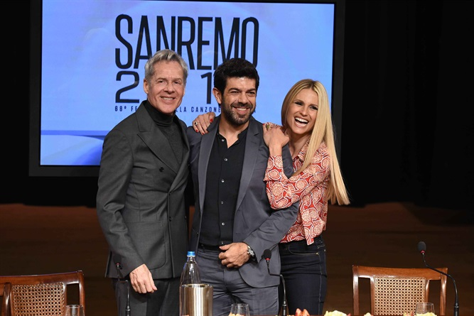 Sanremo 2018: canzoni, cantanti, duetti, programma e ospiti