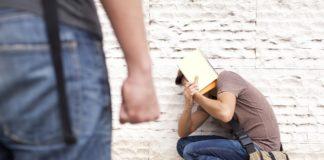 Omofobia nel siracusano, la vittima perde un occhio